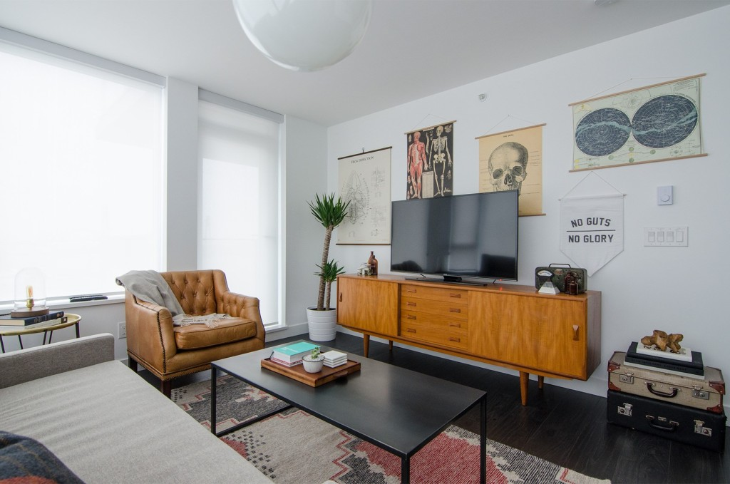 port-and-quarter-new-west-condo-eclectic-living-room